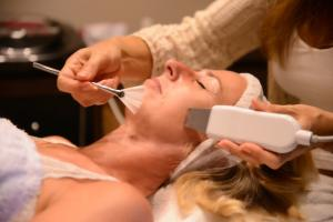 Soins anti âge  RELOOKLIFT  Radio fréquence, Ultrason
