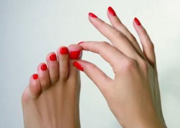 BEAUTÉ des mains et des pieds Manucure et pose vernis.